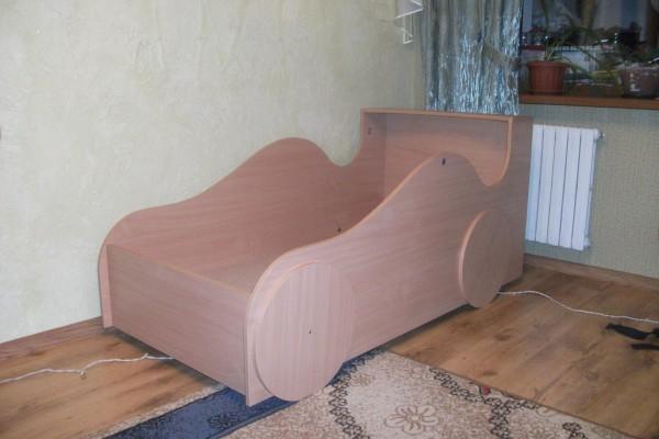 Кроватки-машинки для мальчиков своими руками