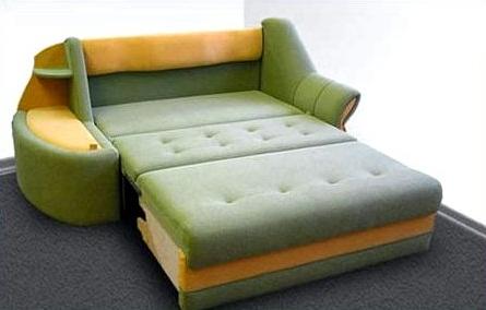 Маленький раскладной диван в спальню