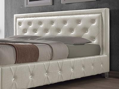 Кровать из искусственной кожи