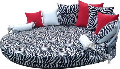 Круглый диван-кровать