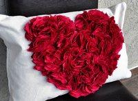 подушки на День Святого Валентина