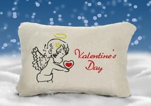 Подушка в подарок ко Дню Святого Валентина
