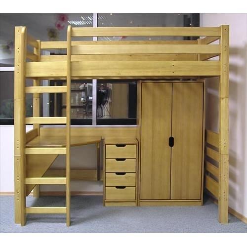 Кровать-чердак с рабочей зоной из дерева