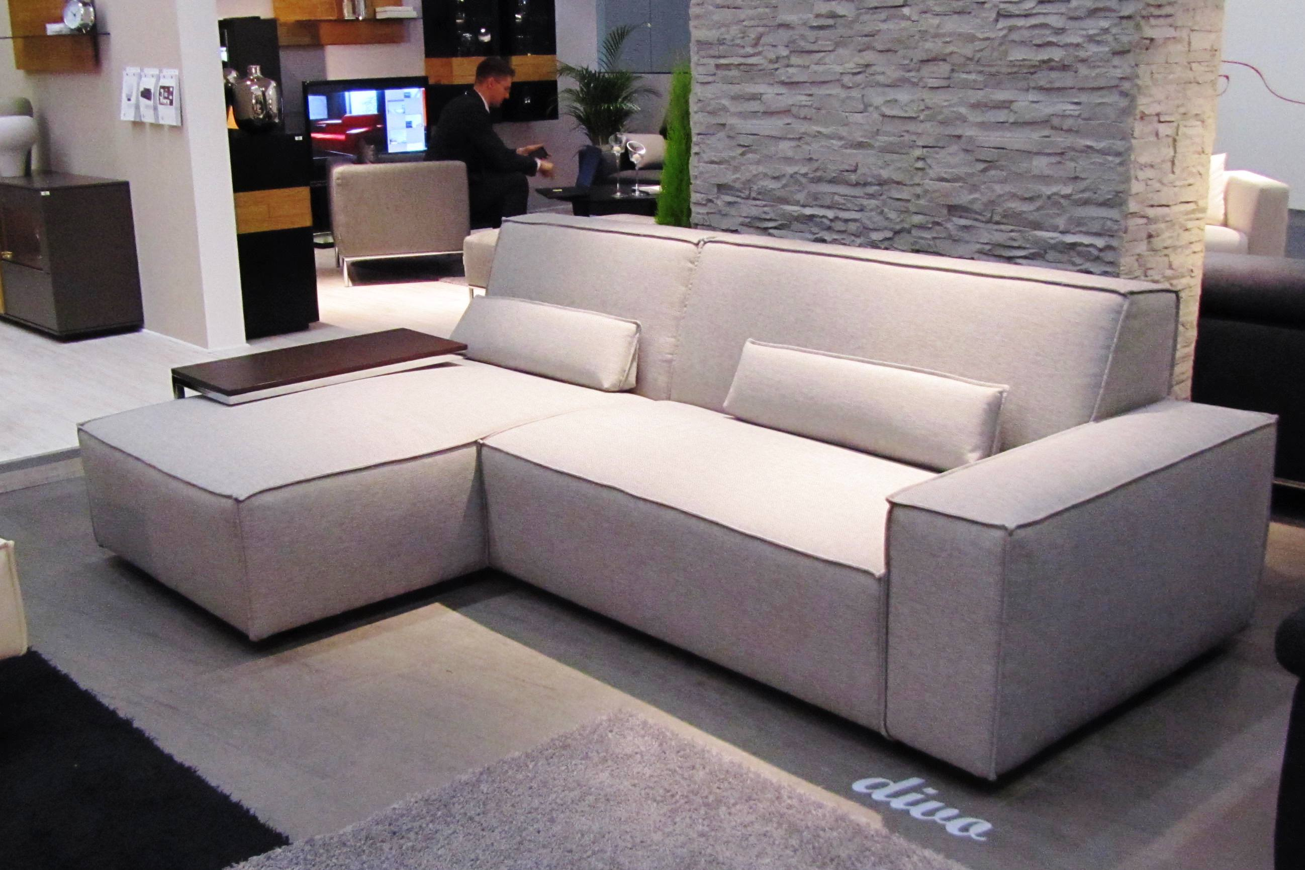 Большие угловые раскладные диваны