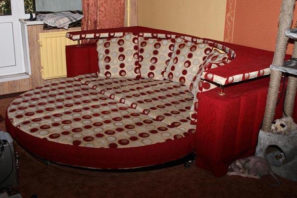 Круглый угловой диван