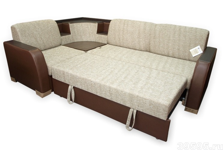 разложенный большой диван